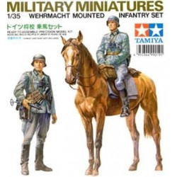 Wehrmacht mounted infantry...