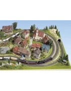 Kit and buildings for dioramas and model railways